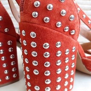 de7ee28d55d Red Rust Fara Studded Block Heel Sandals -Lyst
